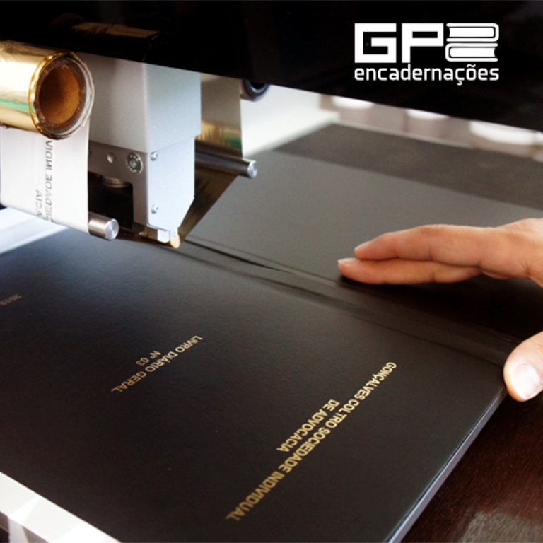 livro fiscal aberto em produção